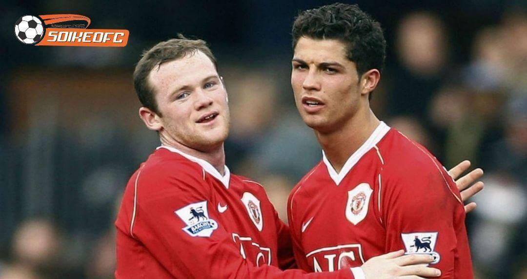 Cách Ferguson giải quyết với Rooney và Ronaldo trong ngày đầu trở lại MU