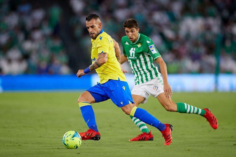Soi kèo Cadiz vs Osasuna, 00h30 ngày 30/08/2021 – VĐQG Tây Ban Nha